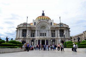 墨西哥城自由行|中央歷史舊城區6大景點推薦:憲法廣場、國家宮、藝術宮!