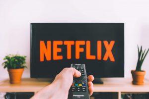 追劇新選擇!Netflix西班牙語影集推薦:紙房子、失控、接線女孩、菁英殺機!